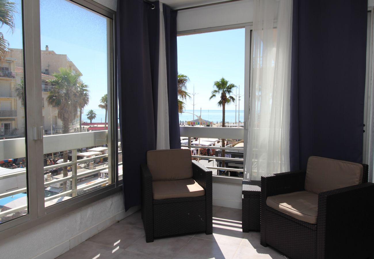 Ferienwohnung in Canet-en-Roussillon - Grand studio avec vue mer dans le centre