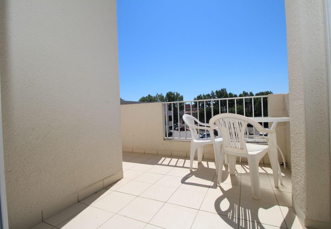 Ferienwohnung in Canet-en-Roussillon - Spacieux appartement T2 proche de la mer + parking