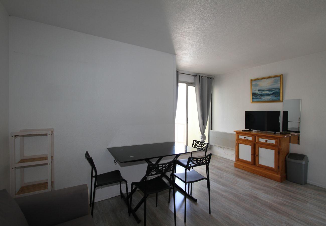 Ferienwohnung in Canet-en-Roussillon - Appartement 2 Pièces à Canet avec Vue Mer