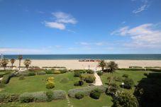 Ferienwohnung in Canet-en-Roussillon - Studio cabine belle vue mer