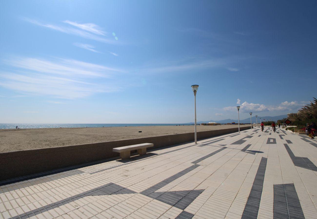 Ferienwohnung in Canet-en-Roussillon - Studio en front de mer