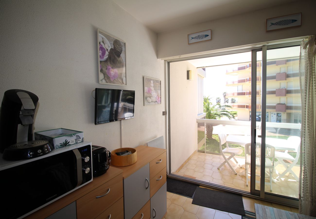 Ferienwohnung in Canet-en-Roussillon - Studio cabine vue mer et jardins