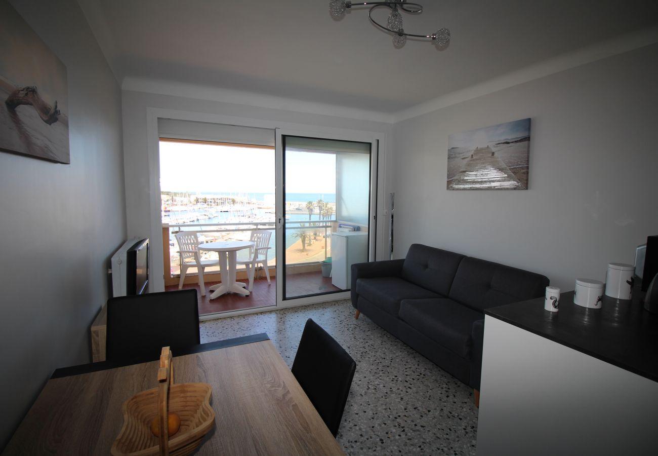 Ferienwohnung in Canet-en-Roussillon - Jolie T2 avec vue sur la Marina