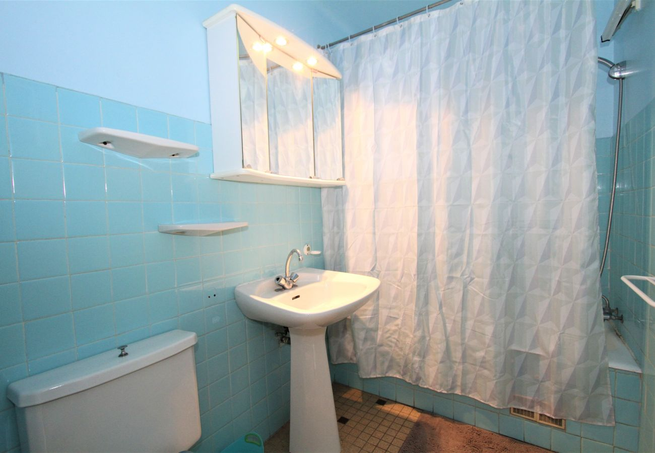 Ferienwohnung in Canet-en-Roussillon - Appartement T2 avec piscine à 200m de la mer