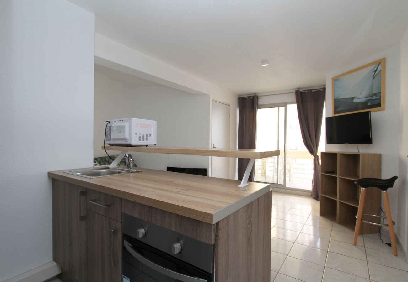 Apartamento en Canet-en-Roussillon - 2 bedrooms apartment with parking and swimming pool