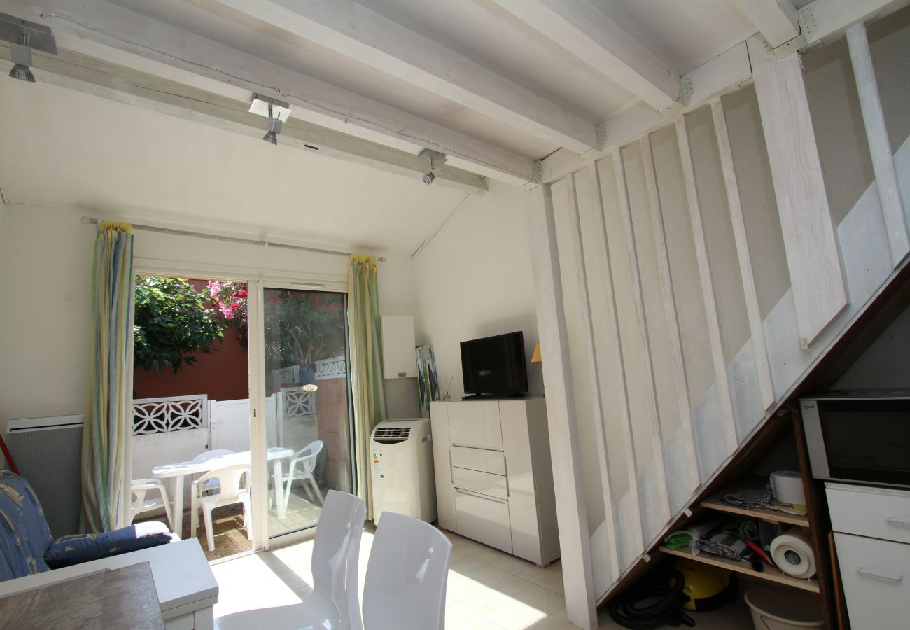 Casa en Canet-en-Roussillon - Maisonette T2 avec piscine et parking