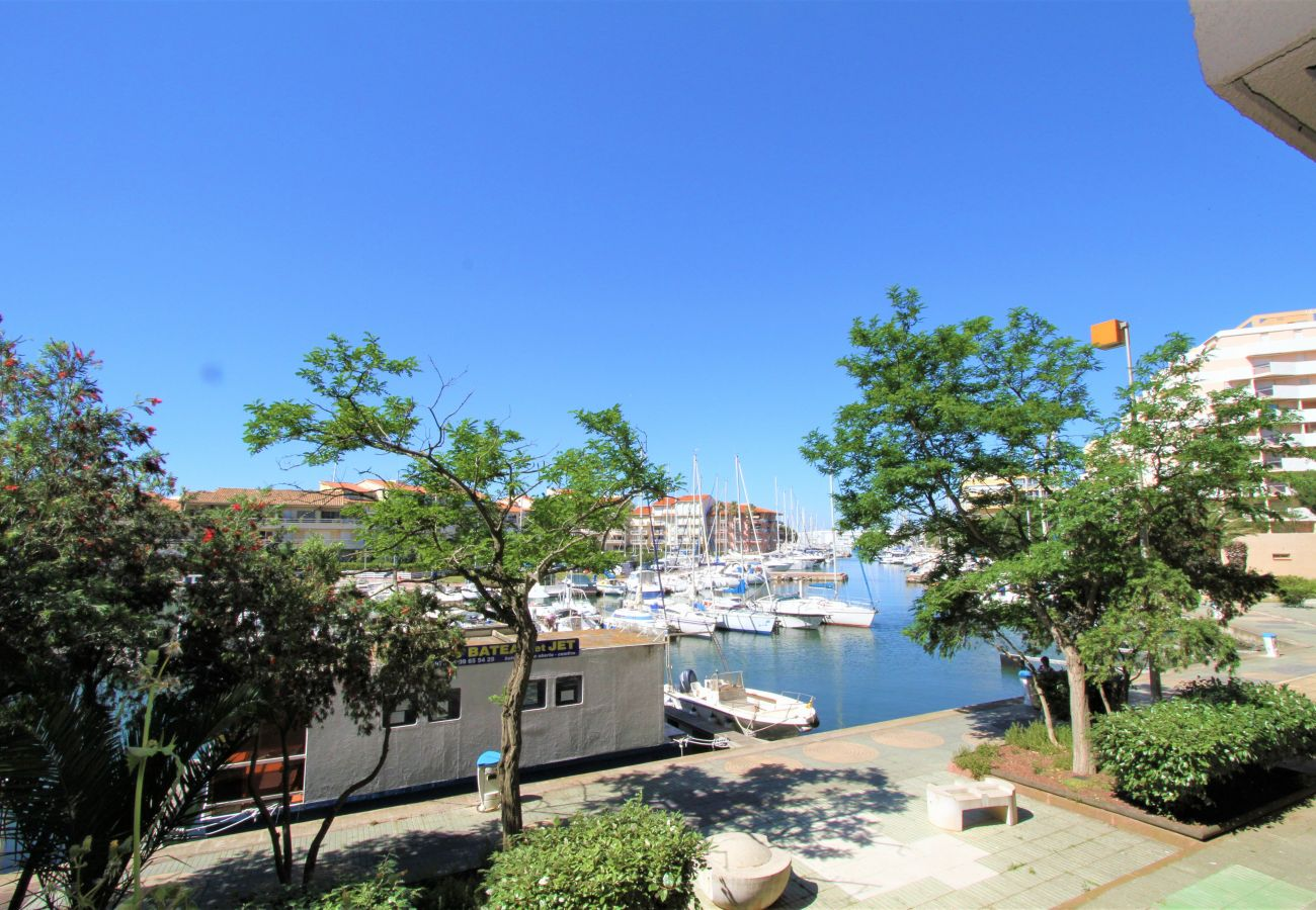 Estudio en Canet-en-Roussillon - Grand Studio vue sur la marina et proche de la plage