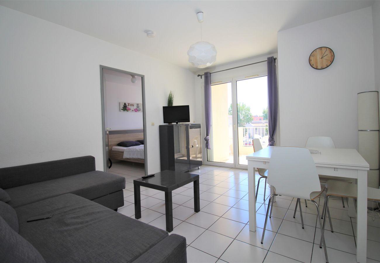 Appartement à Canet-en-Roussillon - Spacieux appartement T2 proche de la mer + parking