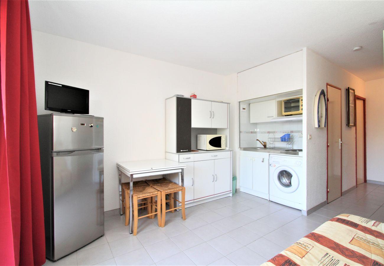 Studio à Canet-en-Roussillon - Grand Studio vue sur la marina et proche de la plage