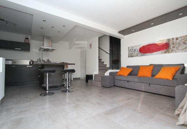 à Canet-en-Roussillon - Villa Moderne à deux pas de la plage