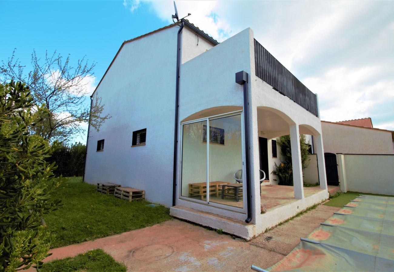 Villa à Saint-Cyprien - Villa 8 personnes avec piscine