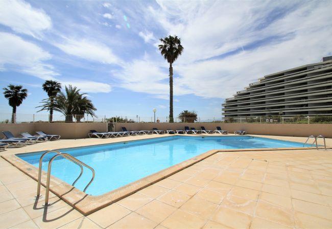 in Canet-en-Roussillon - 3 pièces en front de mer avec piscine et parking