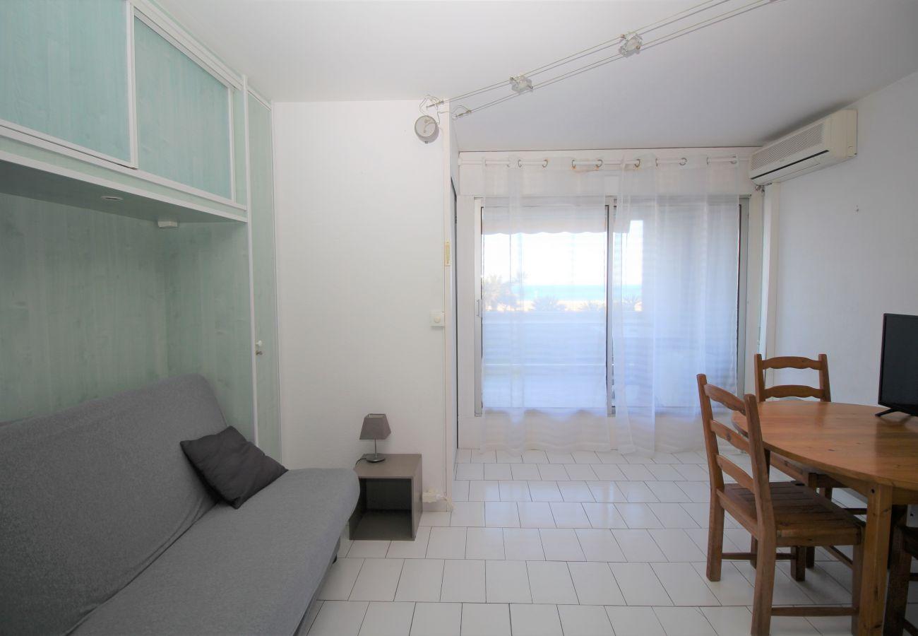Apartment in Canet-en-Roussillon - Studio cabine belle vue mer