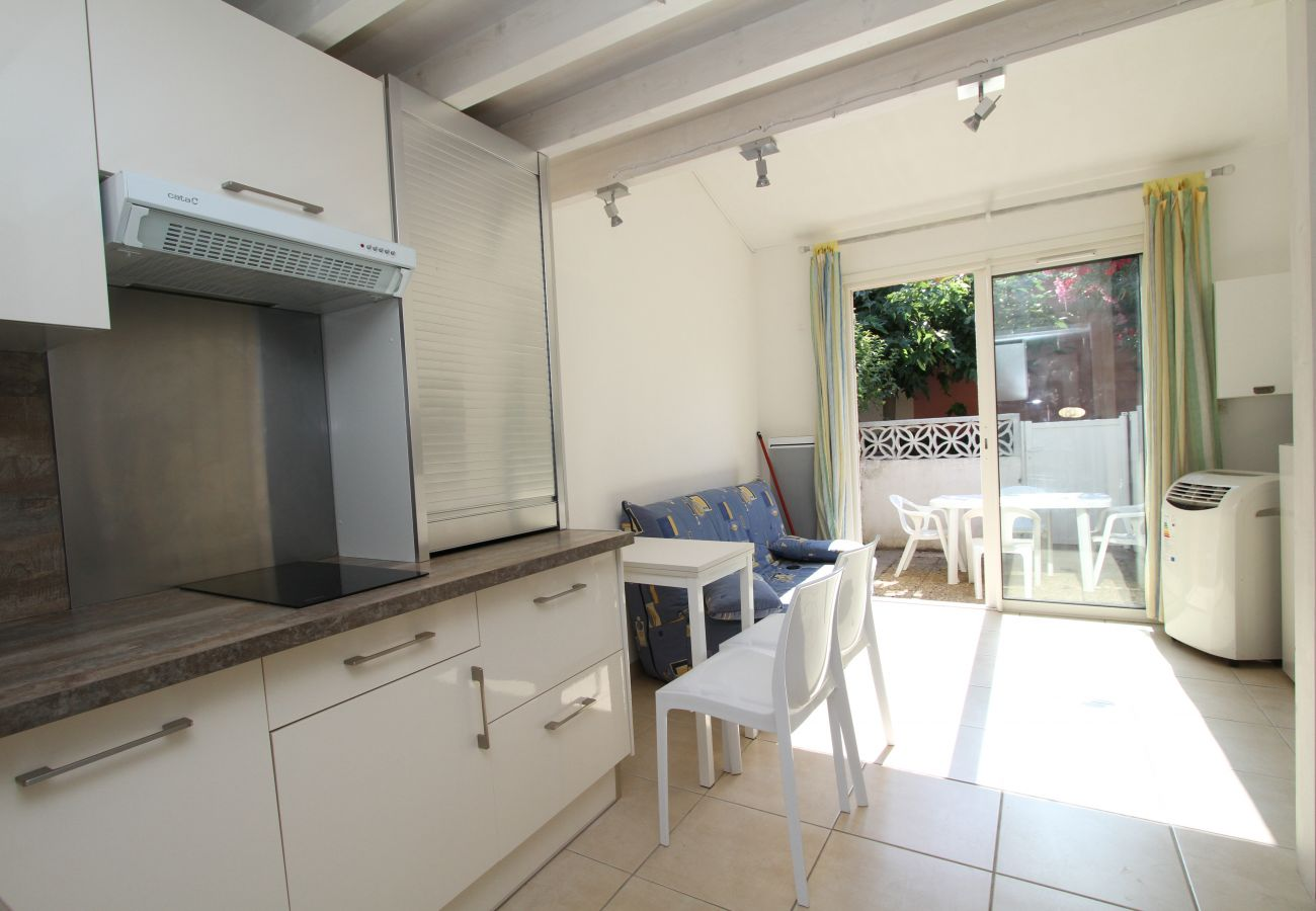 House in Canet-en-Roussillon - Maisonette T2 avec piscine et parking