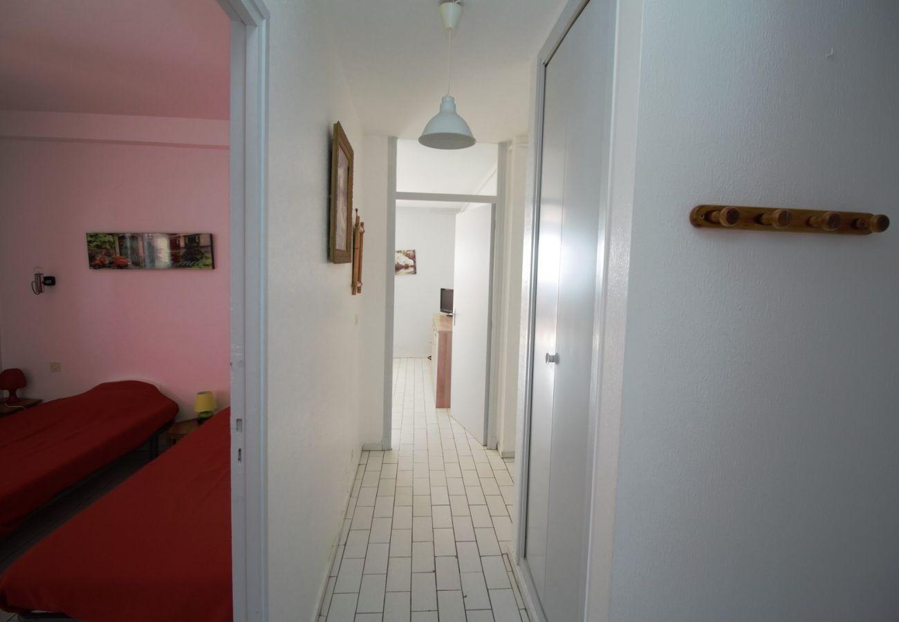 Apartment in Canet-en-Roussillon - 3 pièces vue mer + stationnement privatif