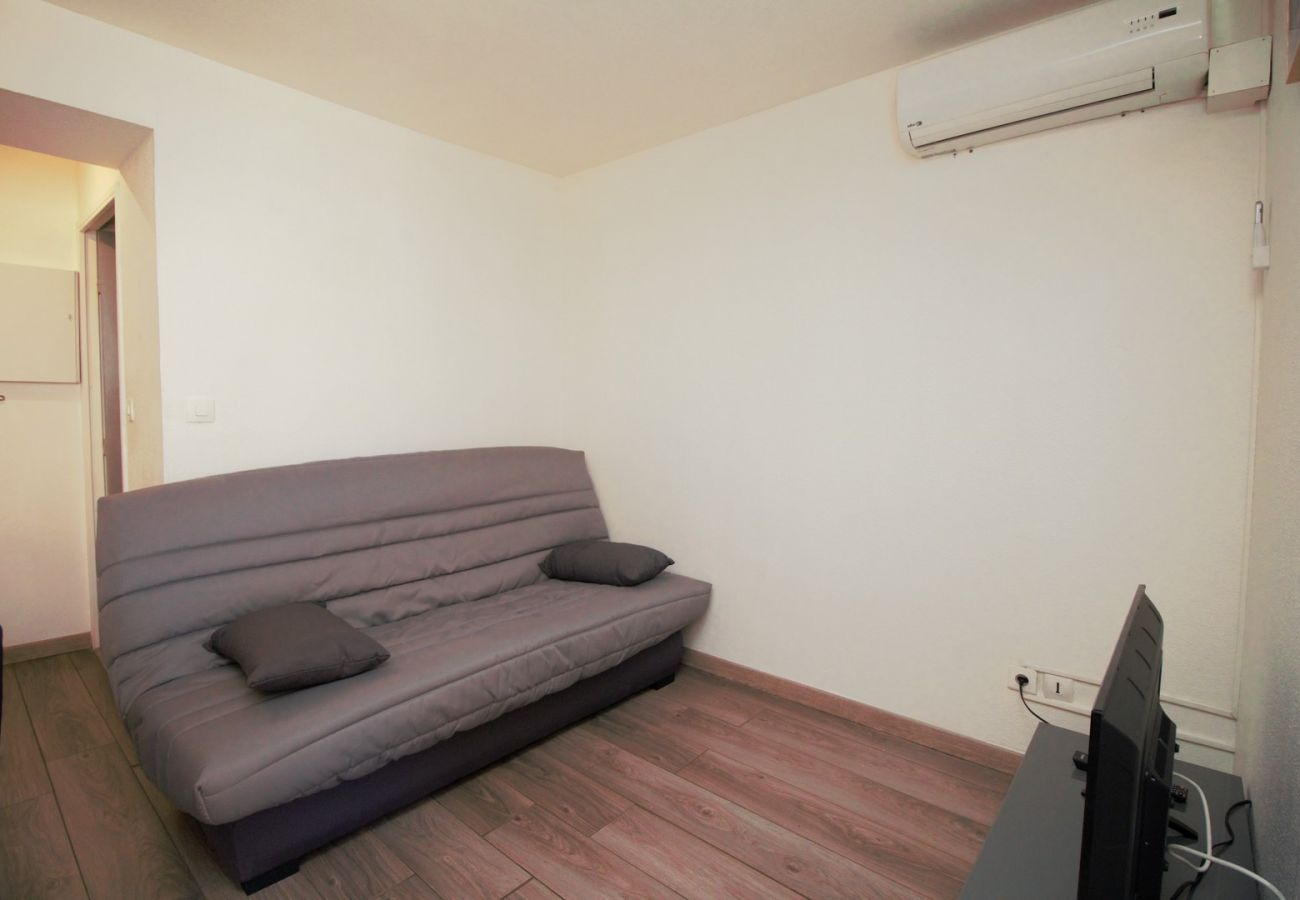 Apartment in Canet-en-Roussillon - 2 pièces à 200m de la plage