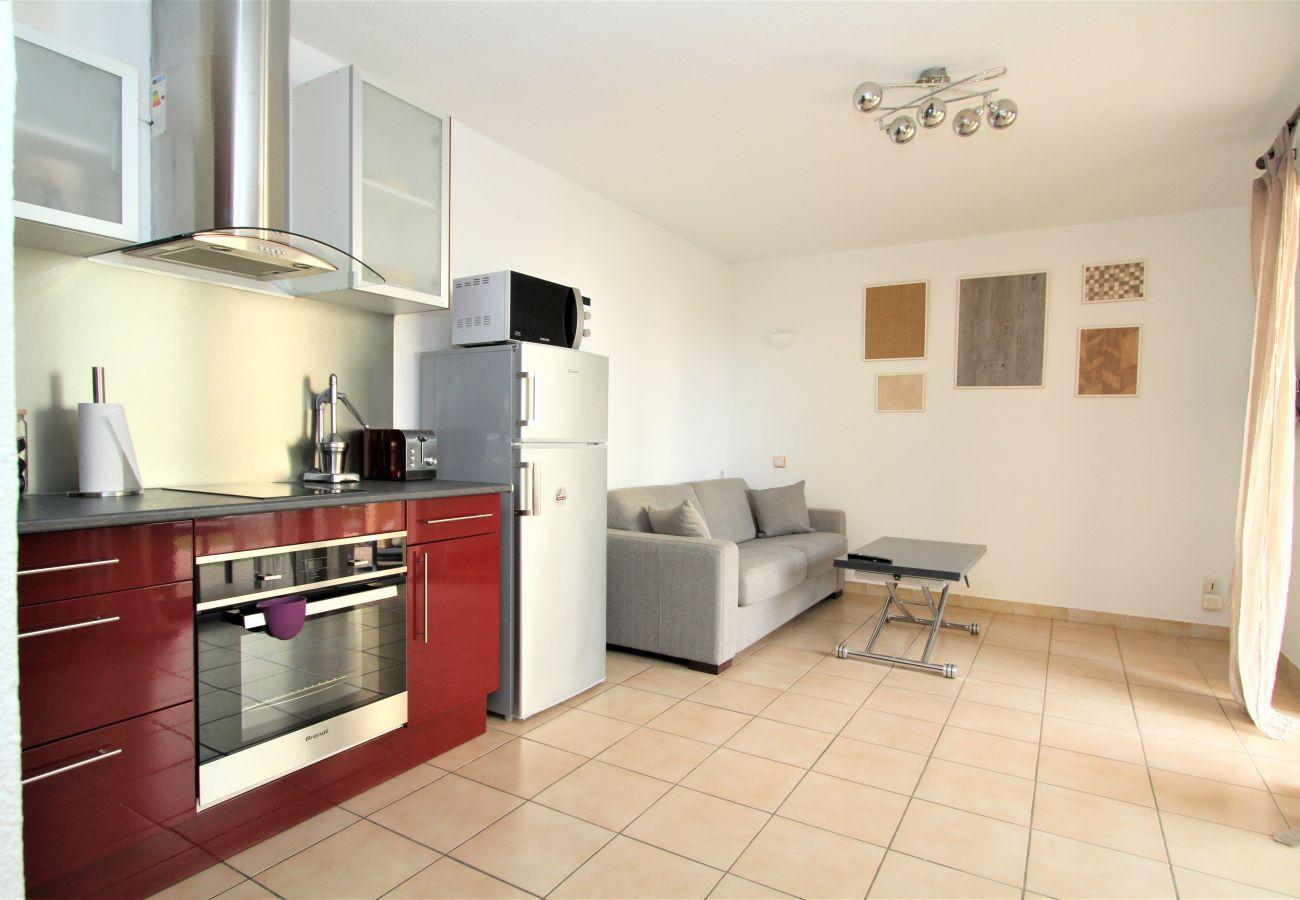 Apartment in Canet-en-Roussillon - Appartement T2 avec piscine et parking