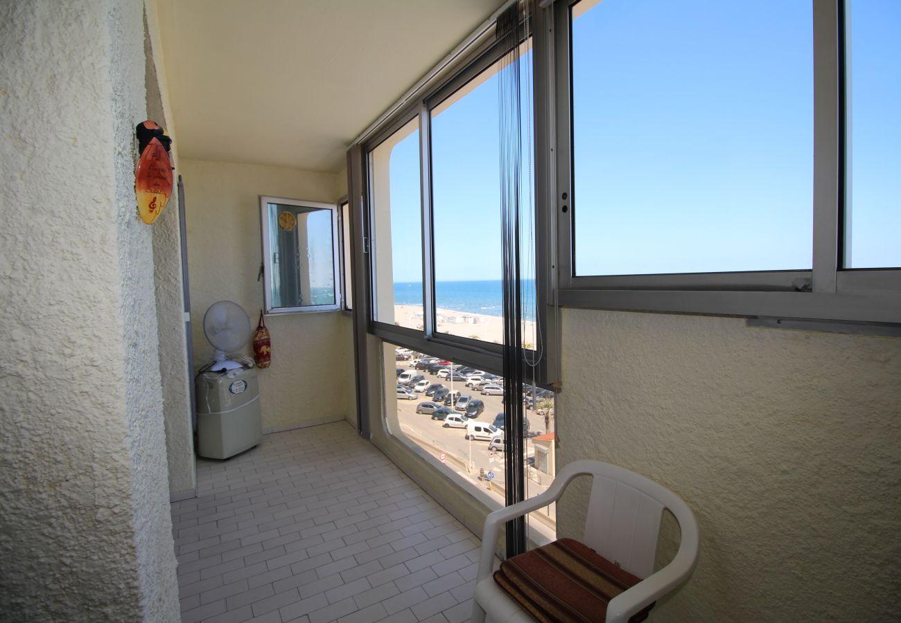 Apartment in Canet-en-Roussillon - Magnifique T2 avec vue mer et parking