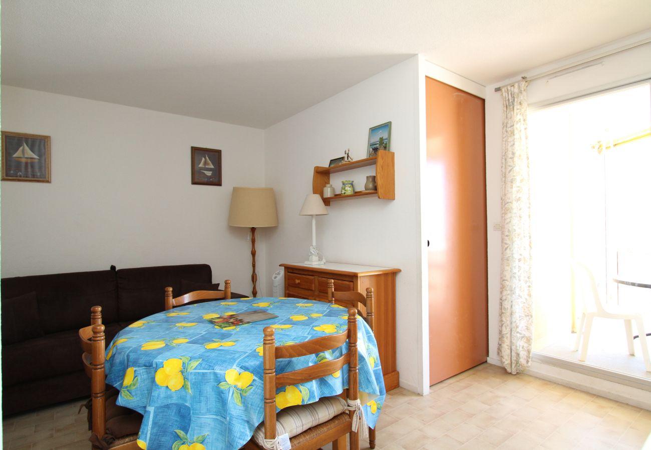 Studio in Canet-en-Roussillon - Appartement T2 avec vue mer