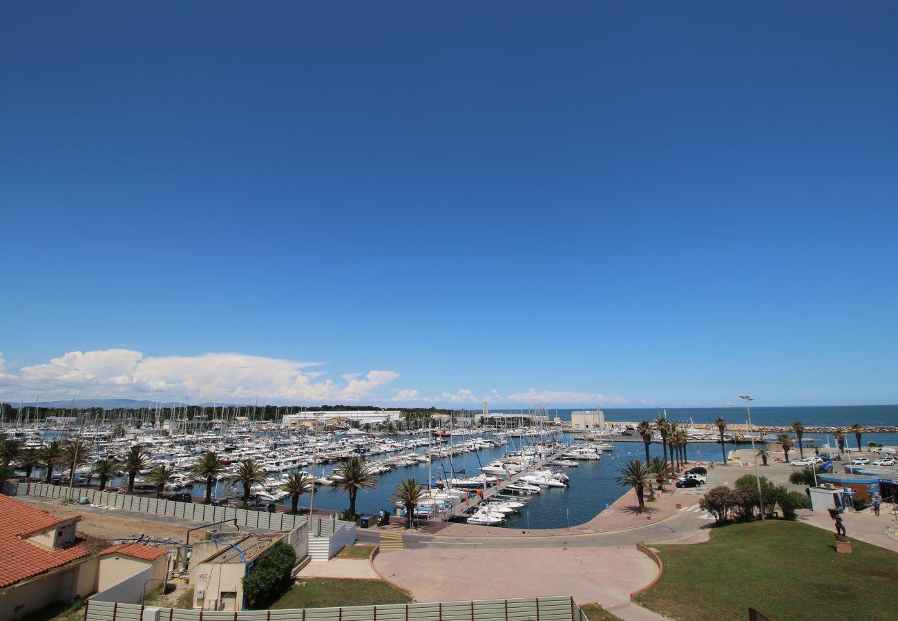 Apartment in Canet-en-Roussillon - Jolie T2 avec vue sur la Marina